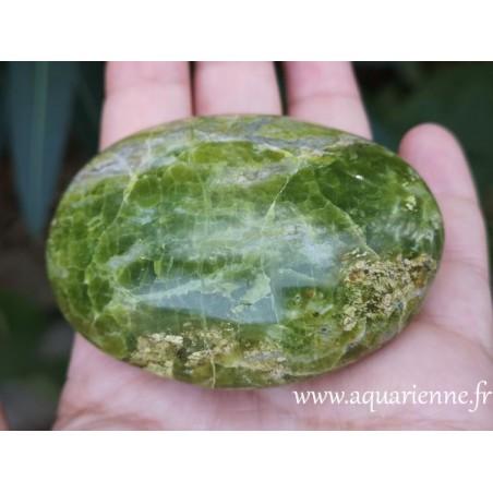 Opale verte galet de 135g poli manuellement
